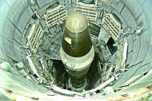 揭秘美军核武毁灭世界计划:23颗核弹打北京