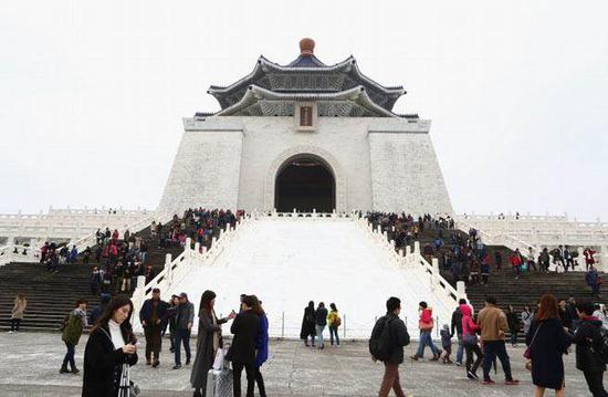台当局宣布中正纪念堂每年2月28日闭馆1天
