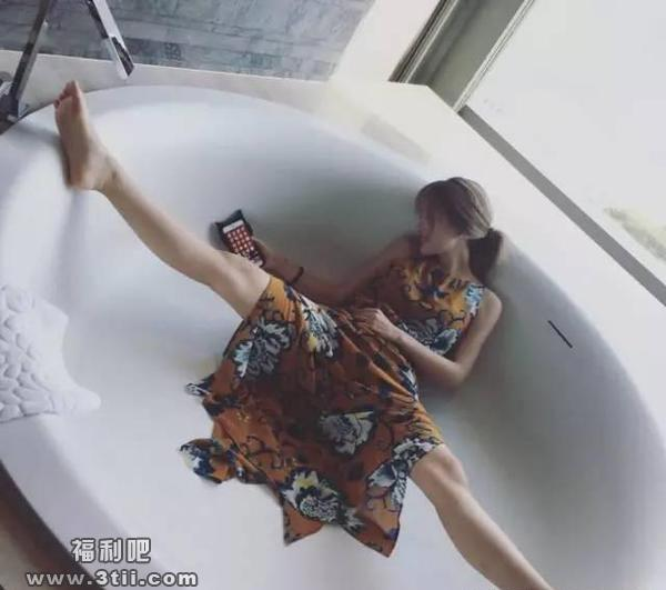 [宅男福利]申花前锋showgirl娇妻mei艳无双双峰让人喷血