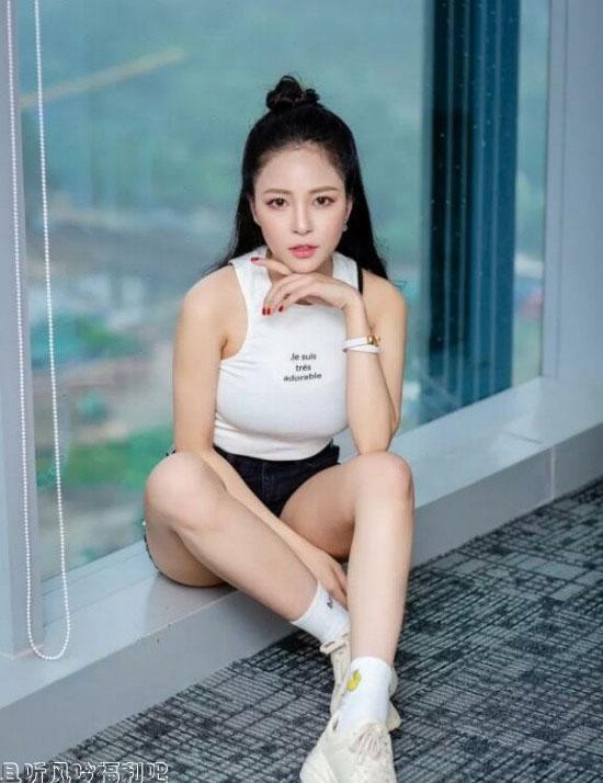 越南网红伴娘tram anh偷吃闺蜜老公 堪称越南版黄心颖