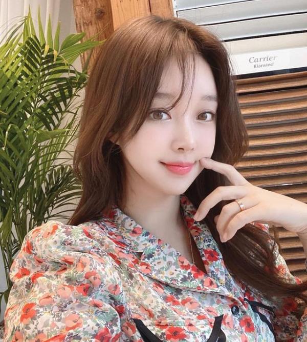 赵敏英,韩国十大性感网红之一