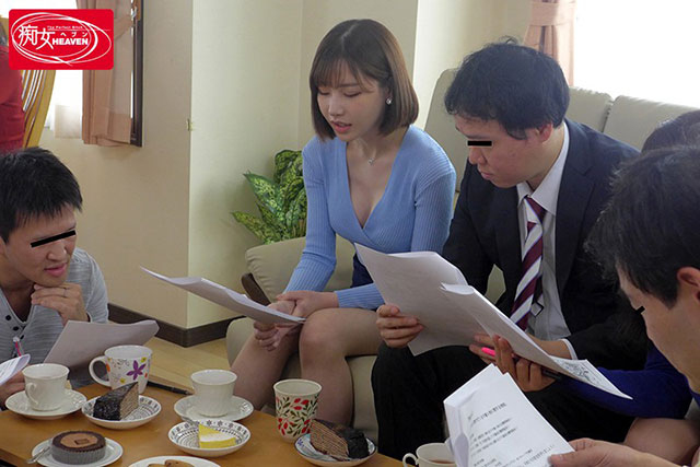 "CJOD-188 :家长会成婚外恋,欲望人妻""深田咏美""直接就是一顿的舔吮吸。"
