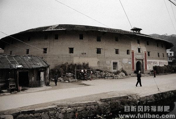 诏安土楼——国内仍住居民的最大直径的生土楼