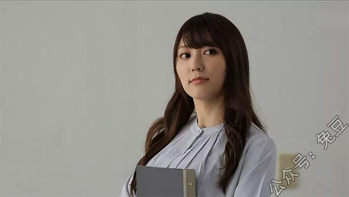 别人家的老师爱音麻里亚(爱音まりあ)就是这么美