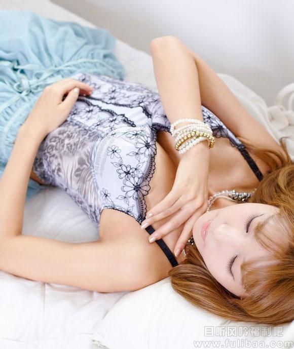 许允美大尺度白丝美图 宅男女神韩国女主播许允美